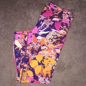 Fabletics Pants - NWT Floral Fabletics Powerhold Capri